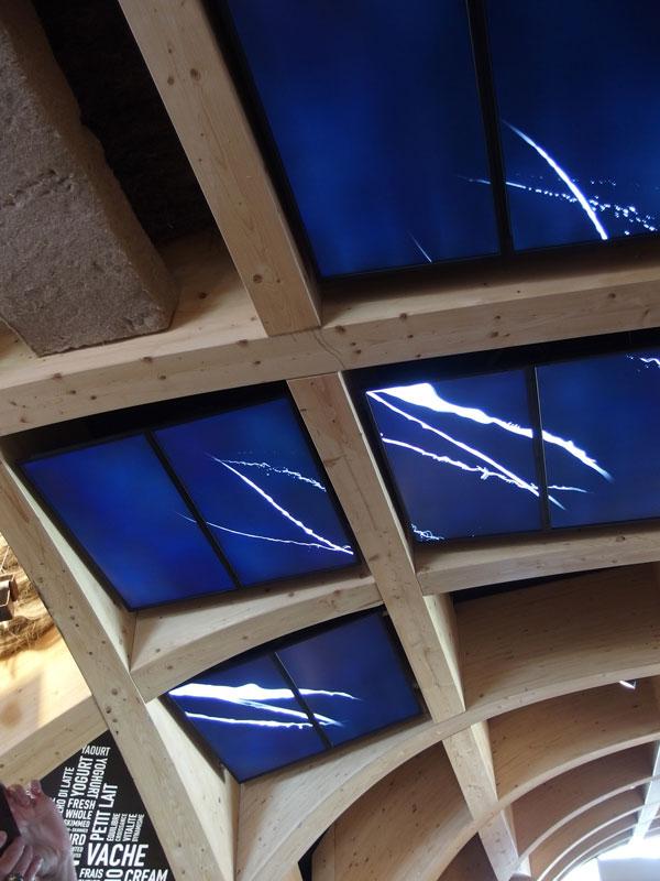 Installation vidéo, Arche de Lait, par Clémence Farrell au sein du Pavillon Français pour l'exposition universelle 2015 à Milan