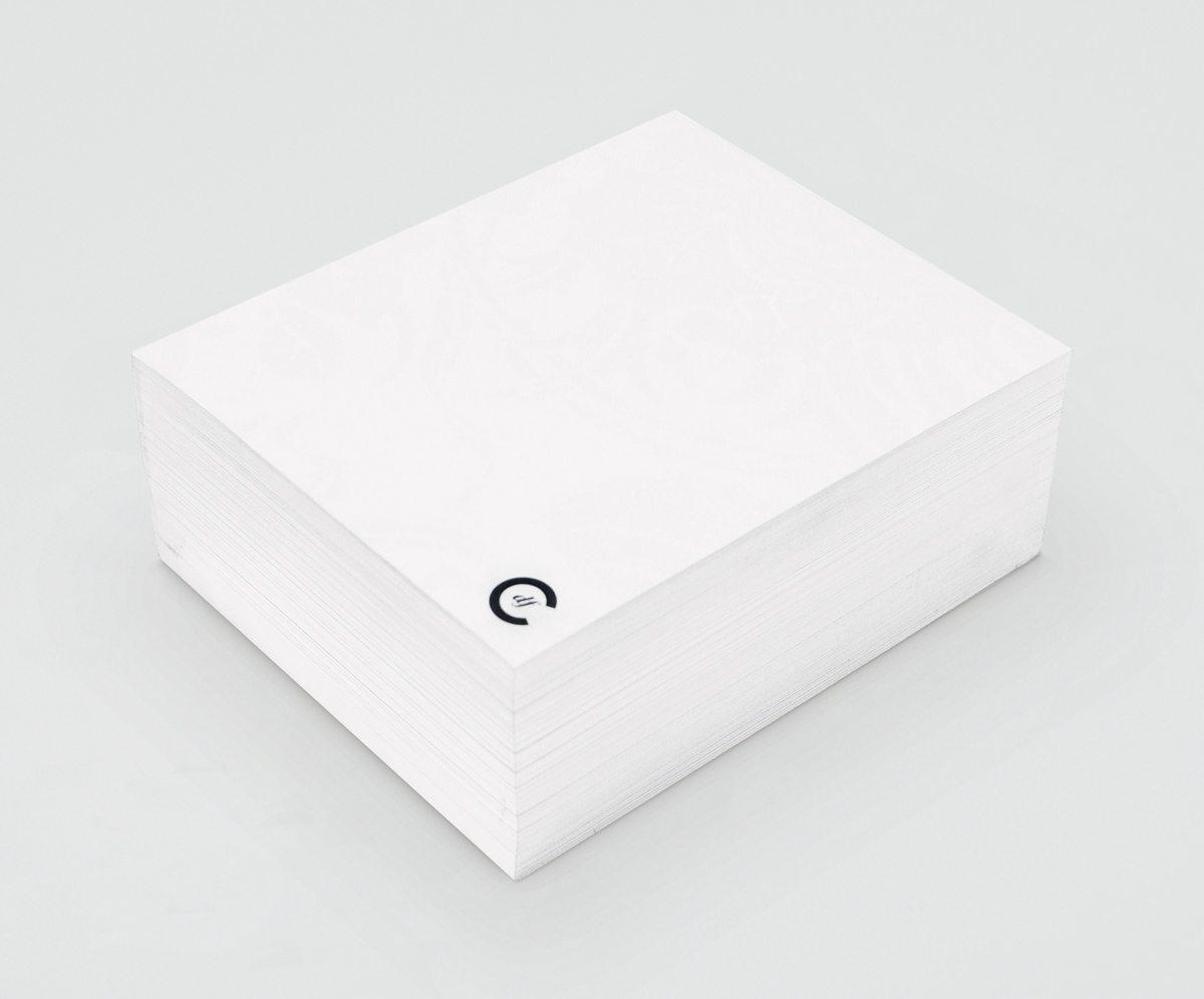 Le bloc de papier destiné au clients désirant écrire un petit mot, design Ichetar