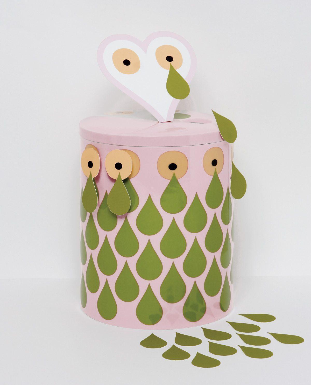 Le vase Surface Romance, motif Pokerface, édition Domestic, design IchetKar