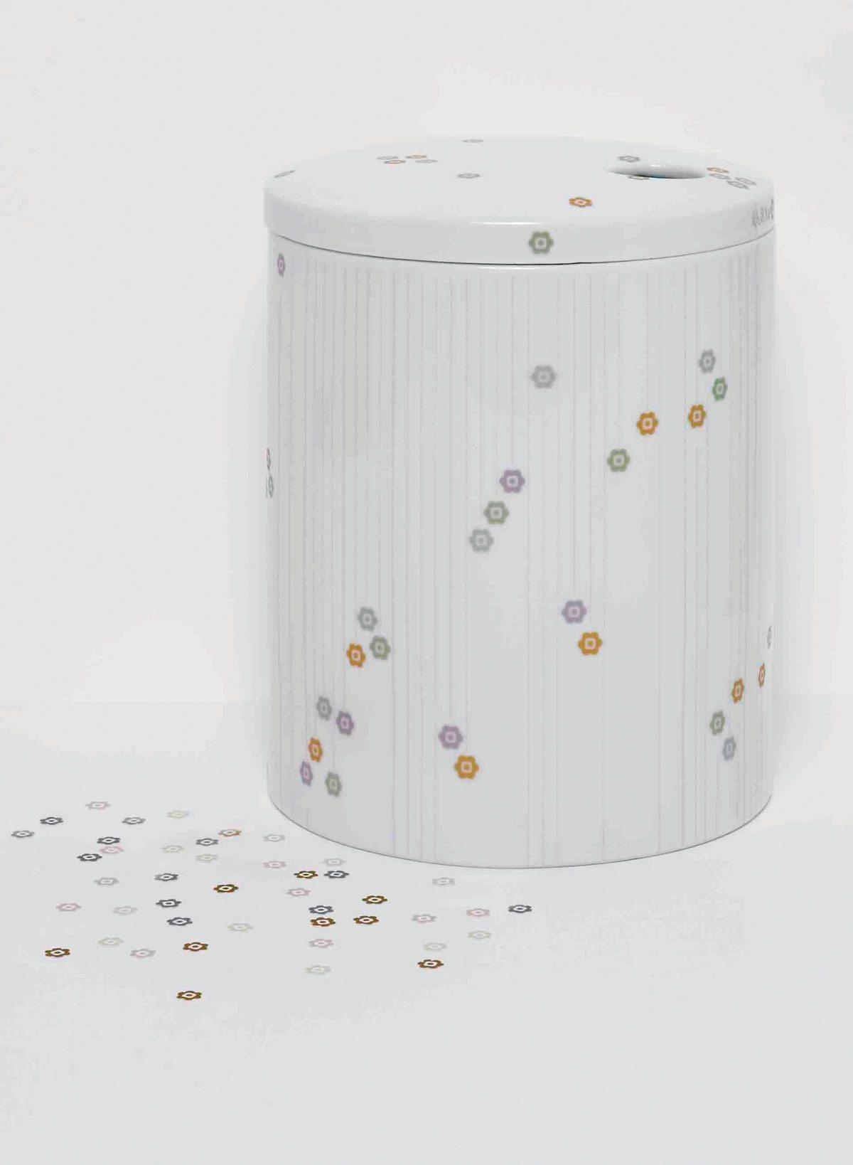 Le vase Surface Jewels, édition Domestic, design IchetKar