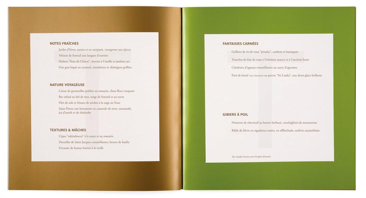 Le menu de la Maison Troisgros, or et vert pistache, papier filigrané T, design IchetKar et fabrication Cent pages