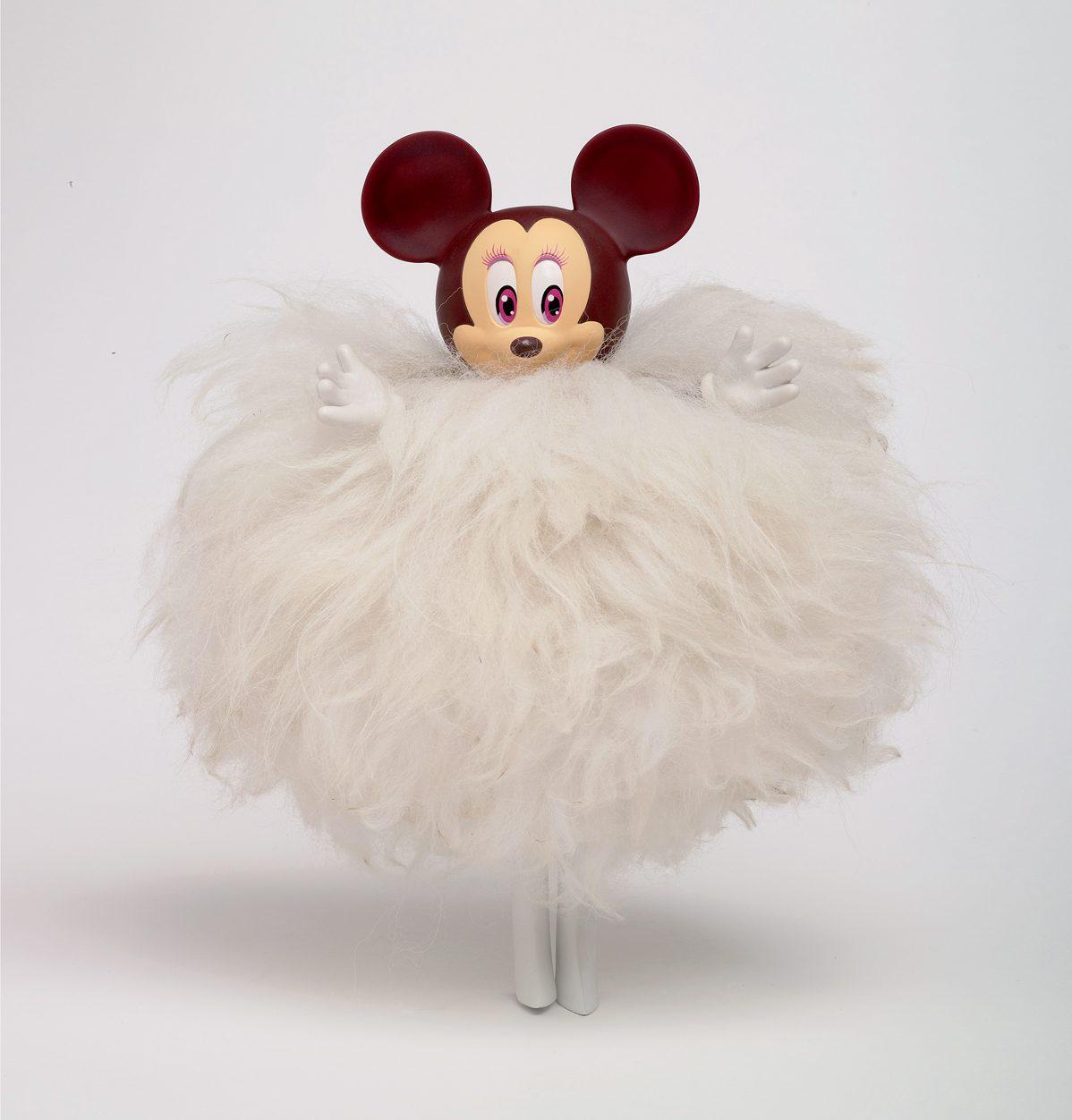 Pour les 80 ans de Micker Mouse, des poupée Minnie sont habillées par 80 créateur et IchetKar est de la partie. Minnie habillé en poils d'Alpaga