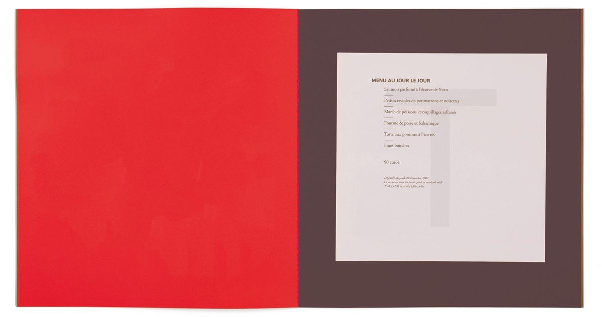 Les nouvelles couleurs des menus du restaurant étoilé Troisgros, menu imprimé sur papier filigrané T, design IchetKar, fabrication cent pages