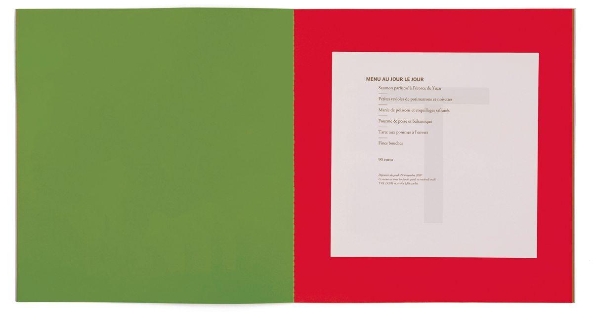 Les nouveaux menus pour les 40 ans de la maison Troisgros, imprimé sur papier filigrané T, design IchetKar, fabrication cent pages
