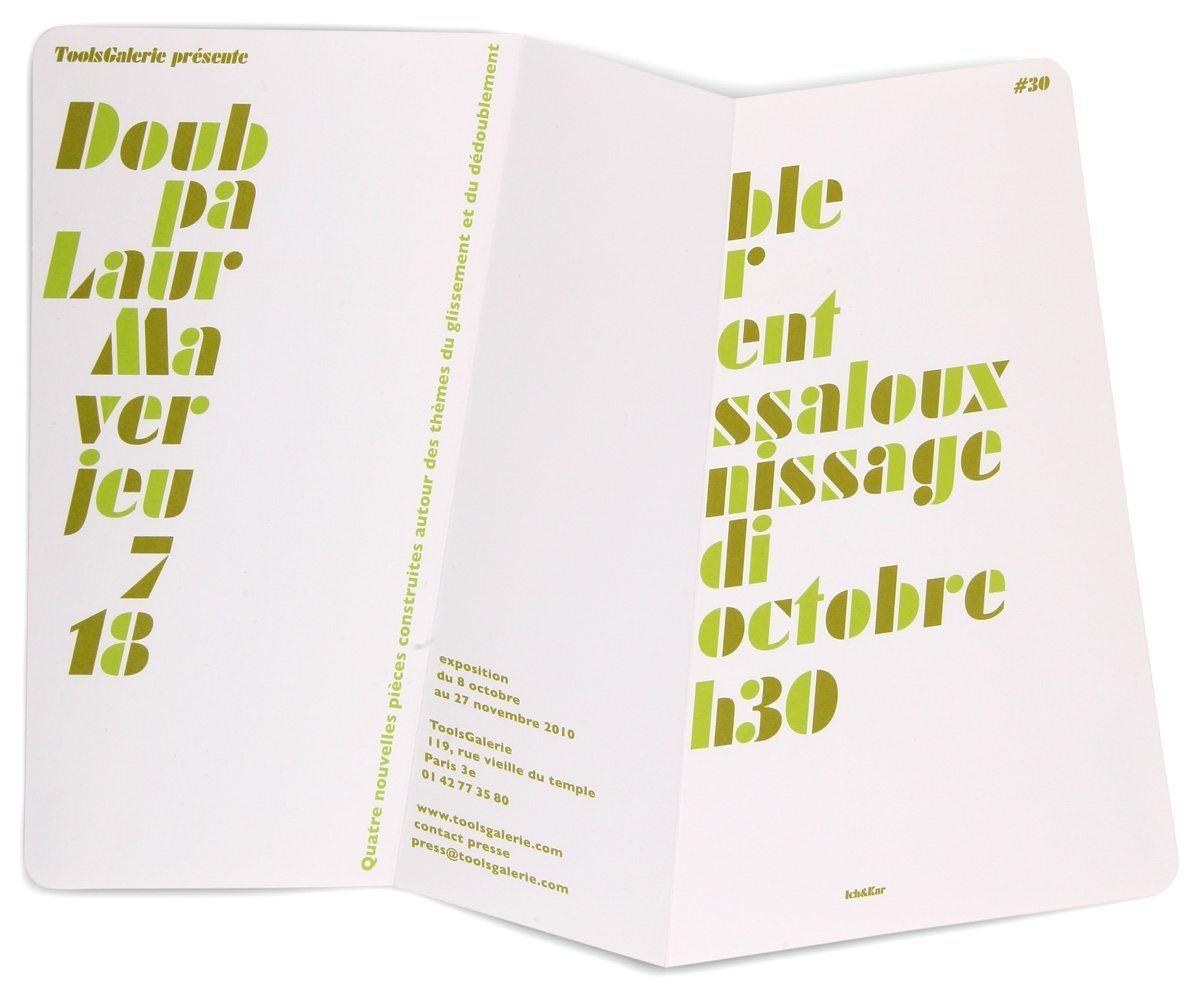 Carton d'invitation ouvert pour l'exposition Double de Laurent Massaloux à la ToolsGalerie. Pliage en référence à l'ouvre, design Ichetkar