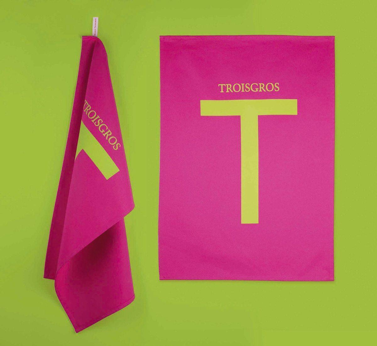 Torchons Troisgros, hôtel et restaurant étoilé, torchons fuchsia, design franc et pur, identité visuelle Ich&Kar