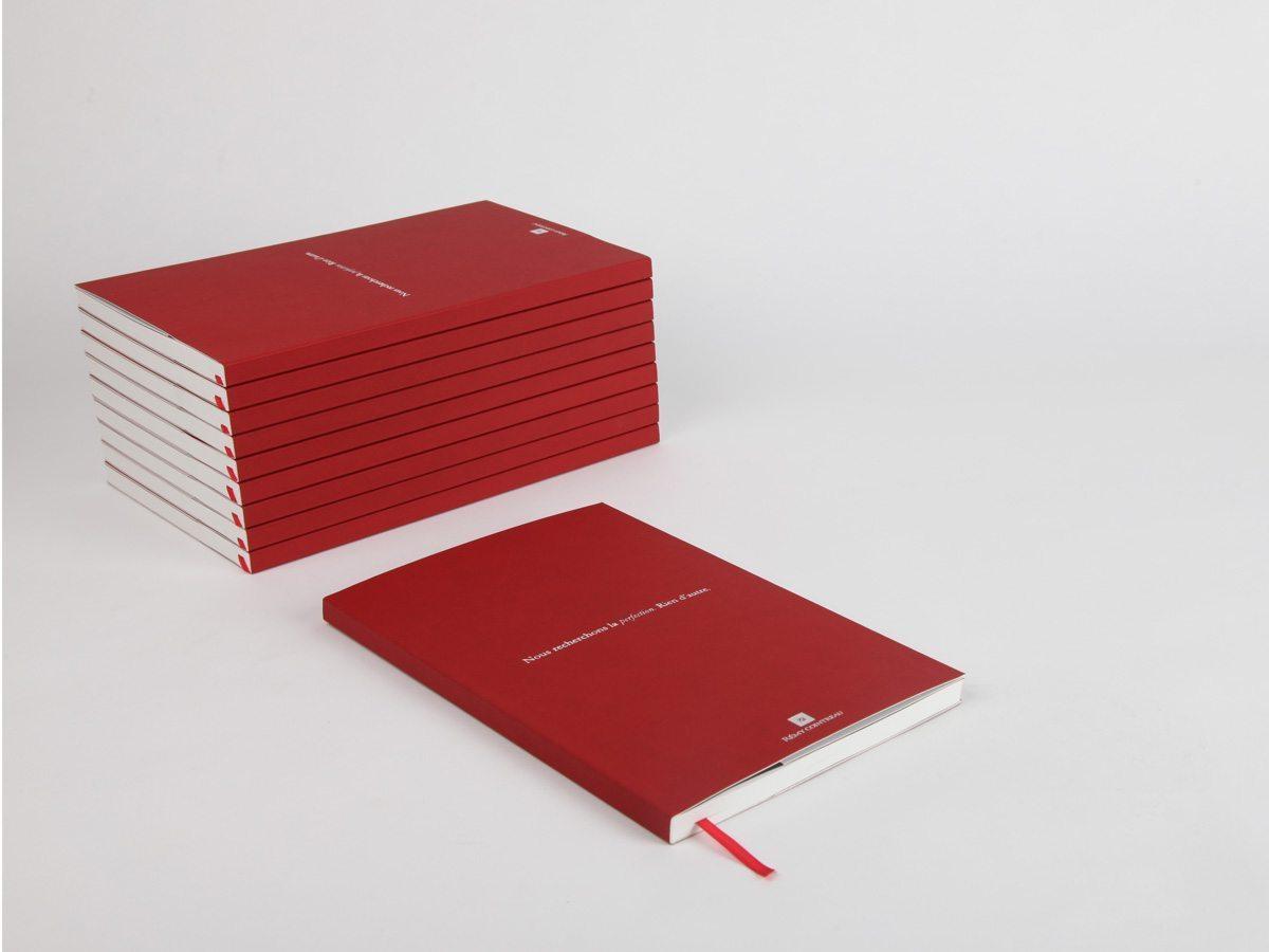Ich&Kar dessine un carnet sur mesure pour Rémy Cointreau. Une petite série de carnets rouges très chic.