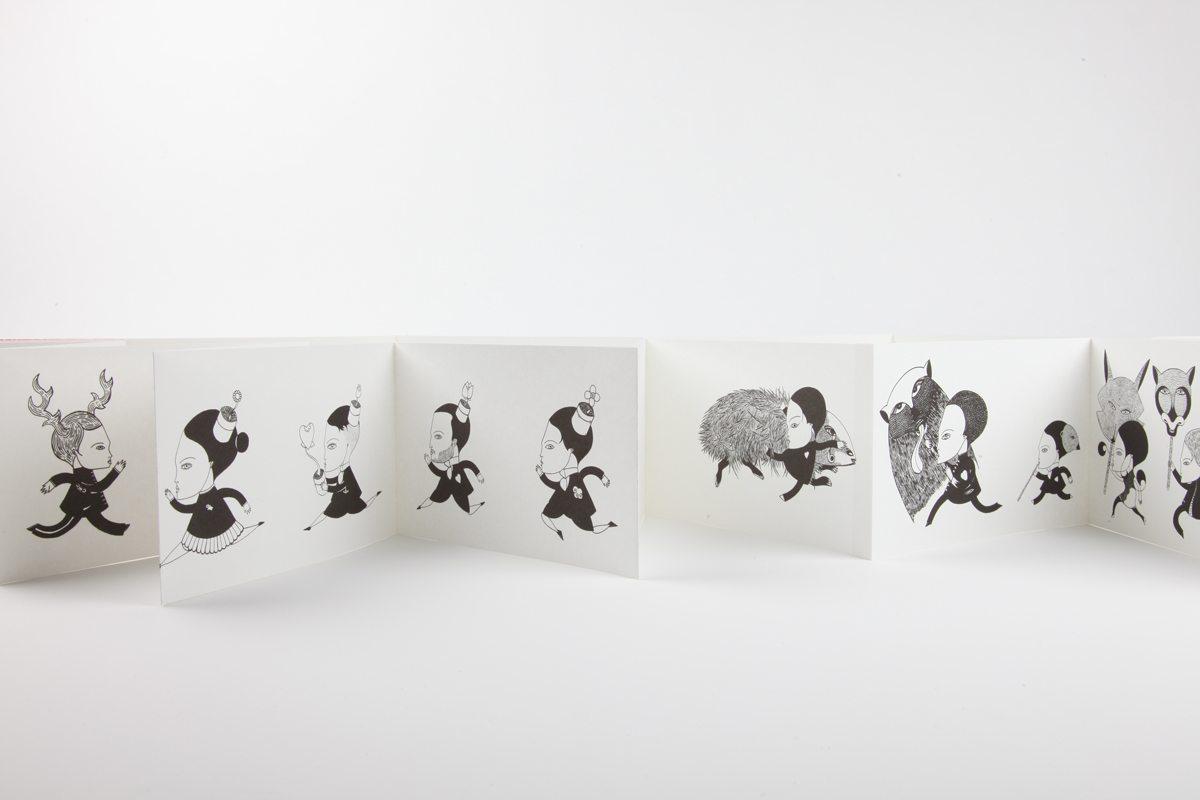 Livre-objet déplié de Fred Le Chevalier. Design graphique par Ich&Kar. Editions Echos.