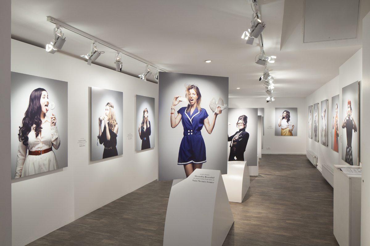 L'exposition Les Filles à Fromages de Thomas Laisné, à la Milk Factory, féminine et décomplexée, scénographie Ich&Kar