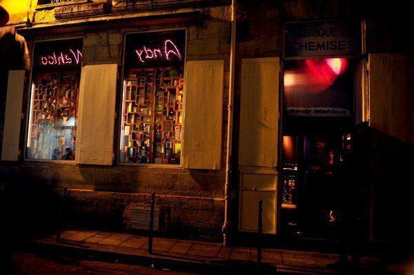 Devanture du Bar Andy Wahloo, rue des Gravilliers, Paris