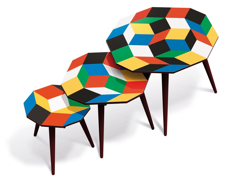 Trio de tables basses aux motifs de pavages de Penrose Primaries, couleurs primaires, design Ich&Kar, édition Bazartherapy