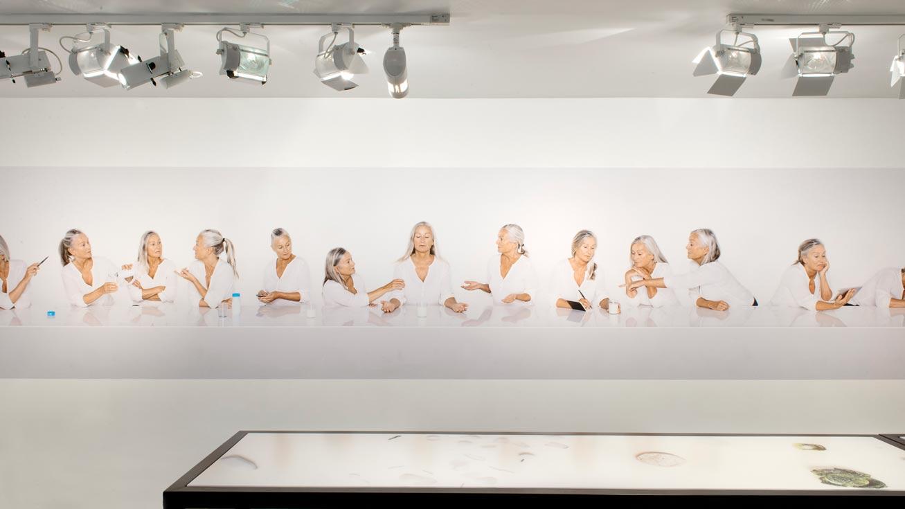 scenographie de l'exposition de photographie Lac de Colombe Clier direction artistique ichetkar
