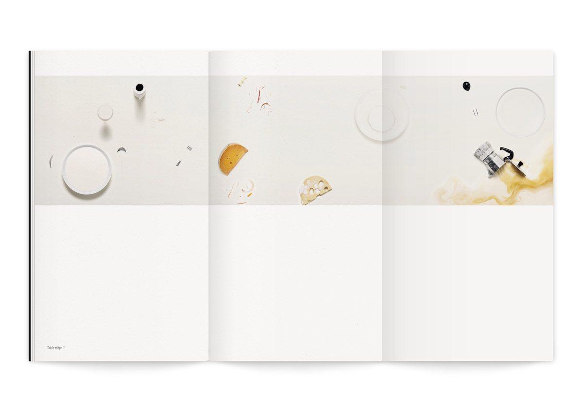 Catalogue de l'exposition Lac de Colombe Clier qui revisite des tableaux emblématiques de l'histoire de l'art en mettant en scène la puissance attractive et irrésistible du lait pour la Milk Factory, design Ich&Kar