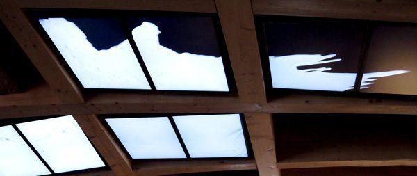 Espace du pavillon français à l'exposition universelle de Milan en 2015. Arche du lait, une scénographie de Clémence Farrell, inspirée par la forme de traces de lait.