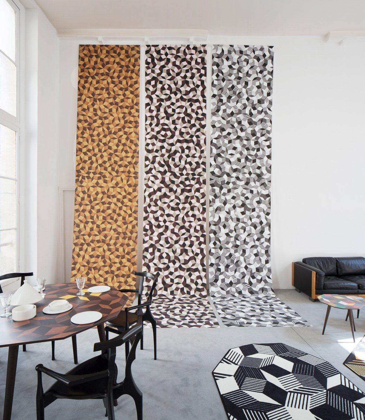 Exposition Penrose Project, Ich&Kar - Bazartherapy, Paris Design Week 2015, lés de papiers peints aux motif géométrique et table à manger Summer Wood, restaurant Le Derrière