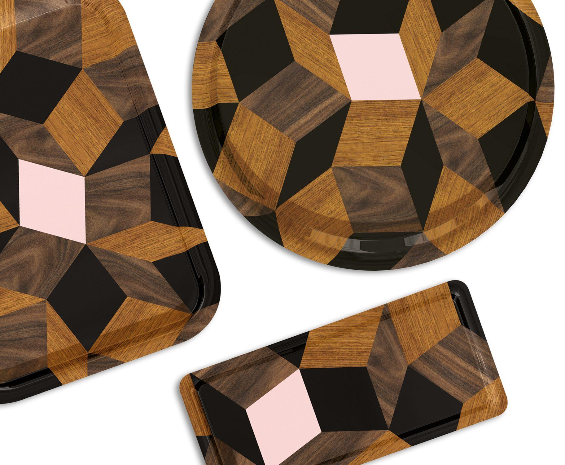 Plateaux déco design Penrose Spring Wood, aux motif géométriques, édition Bazartherapy