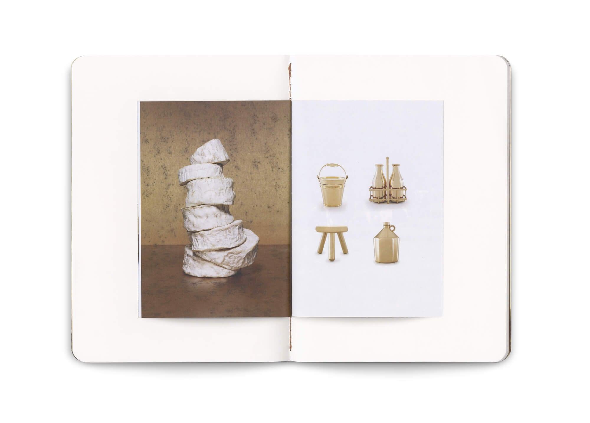double page du carnet dans le carnet, think milk pour la milk factory, un objet éditorial luxueux par le studio Ich&Kar