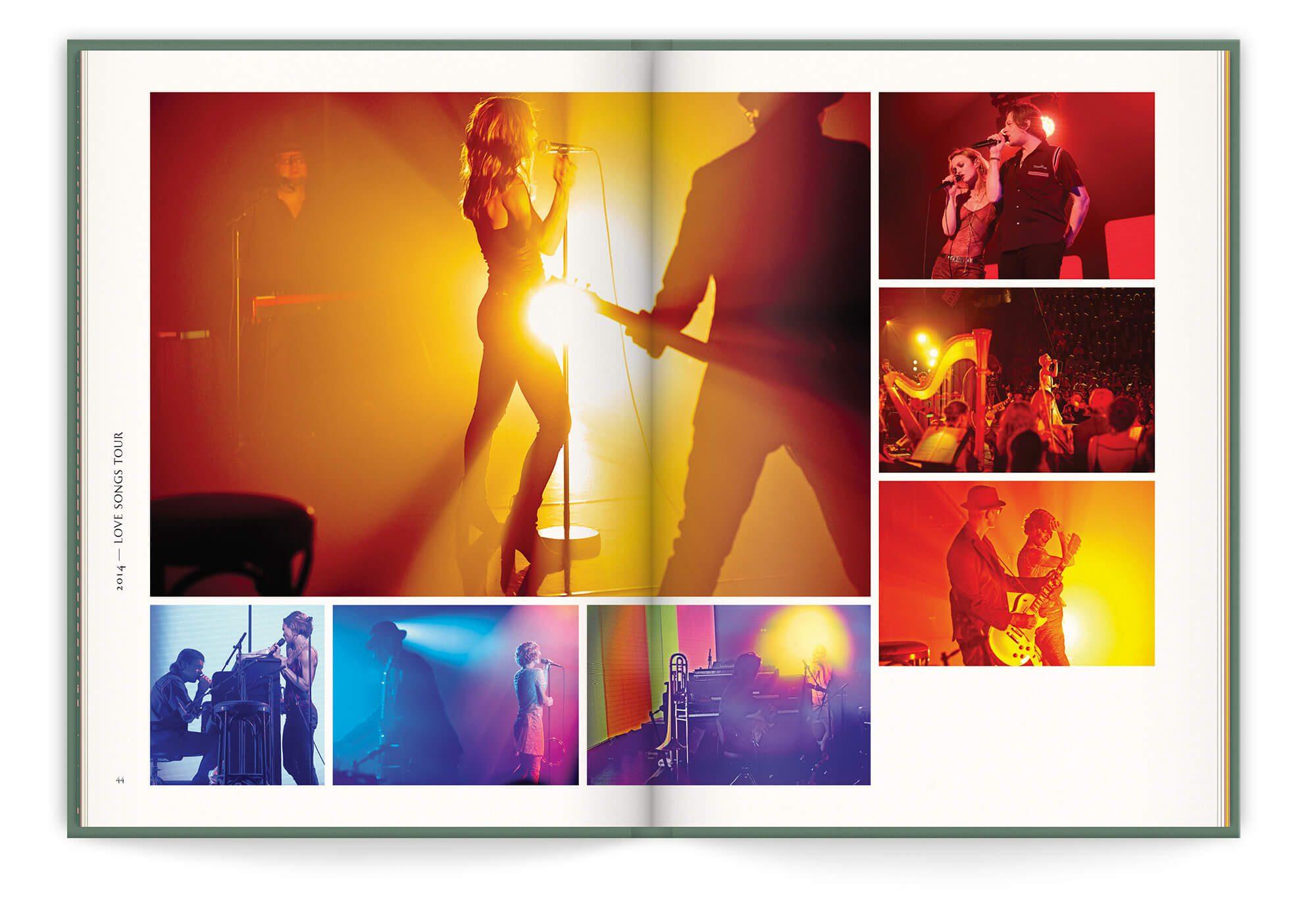 Double page du livre disque de Vanessa Paradis, photo de concert pour le tournée Love Song en 2014, design et mise en page IchetKar