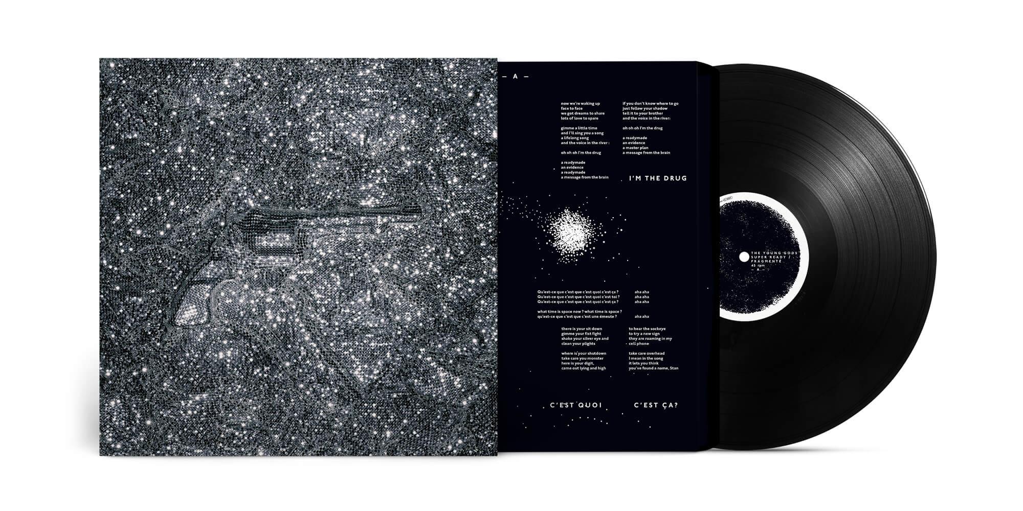 Vinyle collector de Super Ready/Fragmenté par The Young Gods, artwork IchetKar avec une photographie de Jean Jacques Pallot, une création graphique rock sous le signe de la paillette