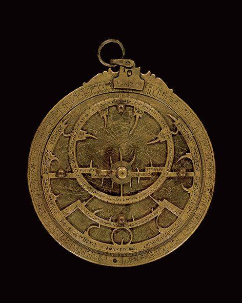 astrolabe inspiration pour les pictogrammes de la signalétique du Louvre Abu Dhabi dessinée par ichetkar.