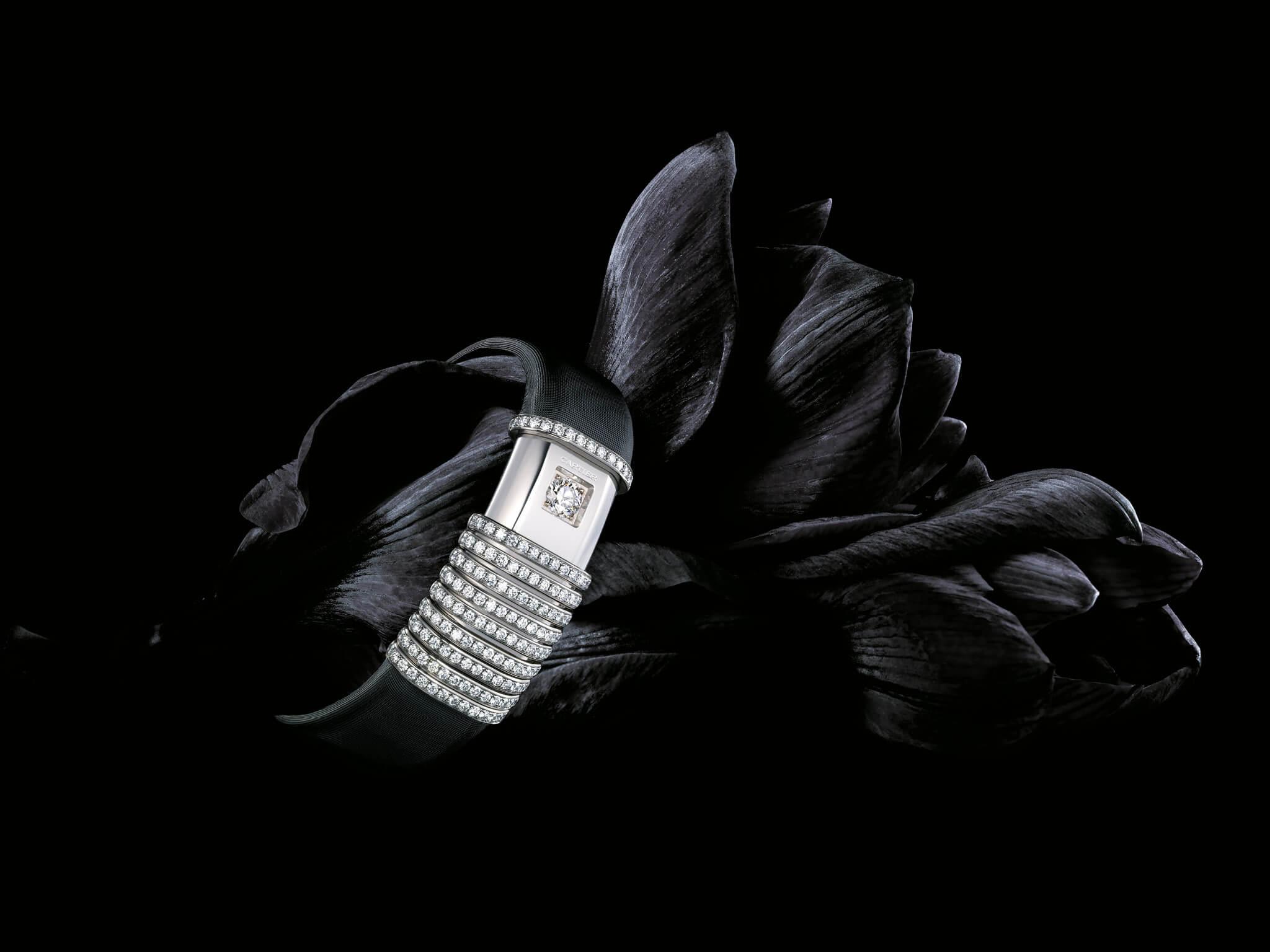 direction artistique noir et diamant photo CartierDéclaration stylisme Yoko Nakamura - Photo JJ Pallot